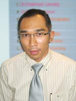 Dr. Dr. Boworn  Klongnoi : Oral Surgeon